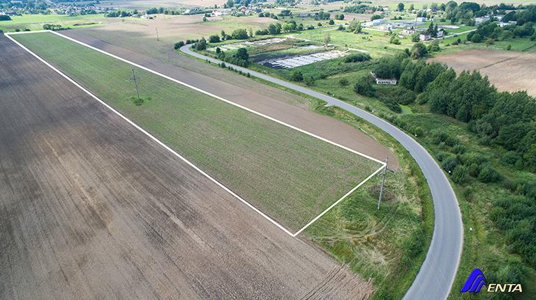 Parduodamas žemės ūkio sklypas 28,2 ha su asfaltuotu privažiavimu ir arti greitkelis