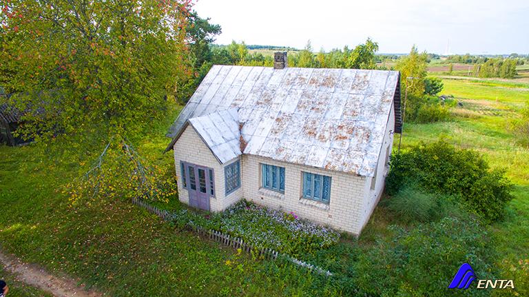 Pastrėvyje tvarkingas 58 kv.m. namas su 28a sklypu šalia Elektrėnų marių!